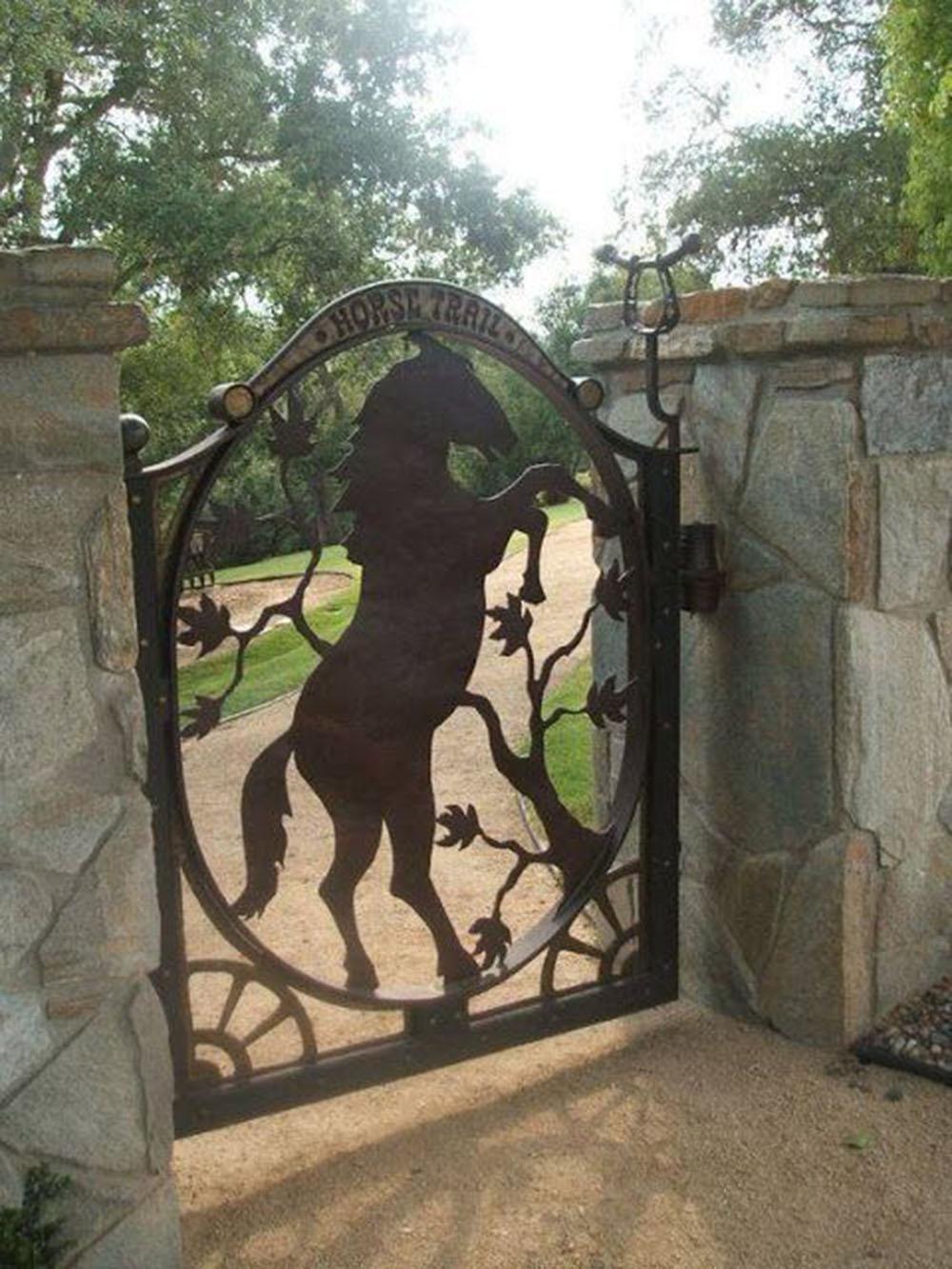 Cómo Elegir las Puertas Metálicas Perfectas