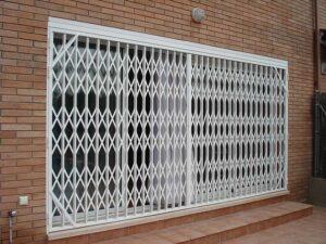 puertas metálicas ballesta